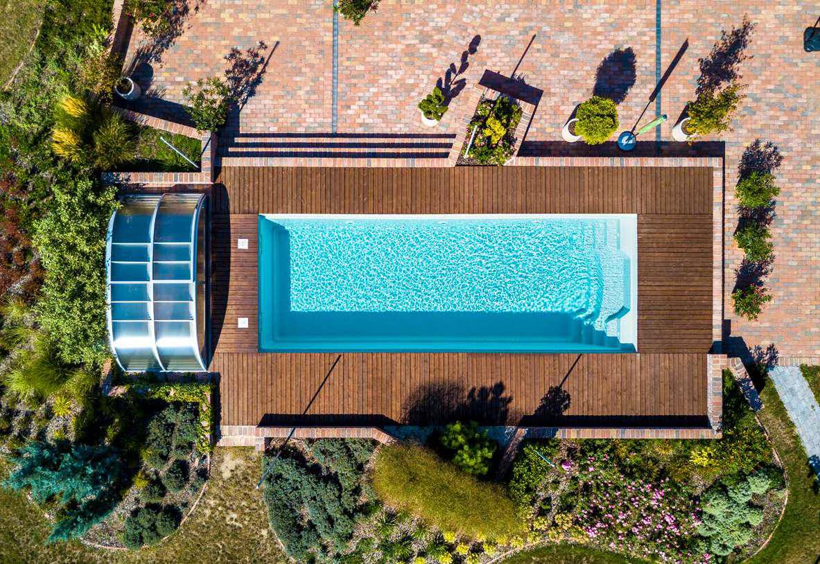 auger-piscine-et-paysage-aquacomet-zenith-flat-clear-vue-aerienne